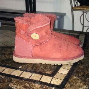 Ugg short boots Women's size 9